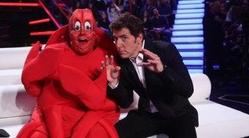 Jesús Durán convertido en el cangrejo Sebastián y Manel Fuentes
