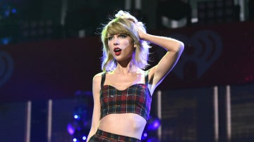 Taylor Swift durante una de sus actuaciones