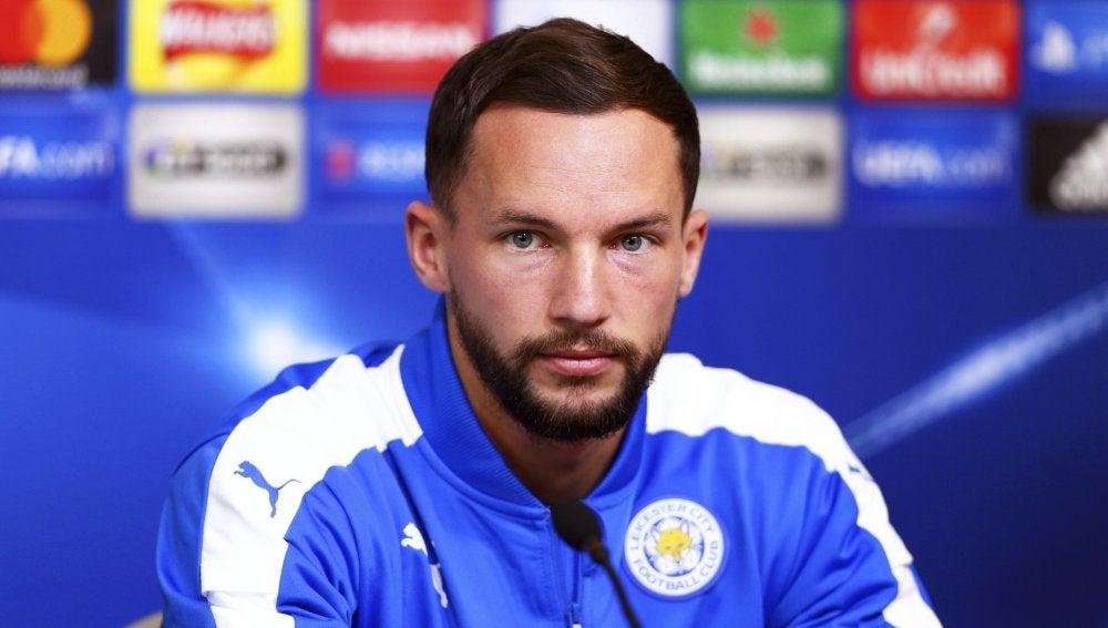 Danny Drinkwater, jugador del Leicester, durante una rueda de prensa