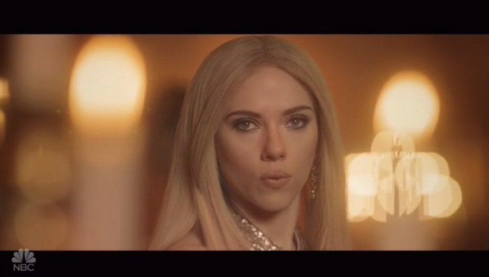 Scarlett Johansson como Ivanka Trump en 'Saturday Night Live'