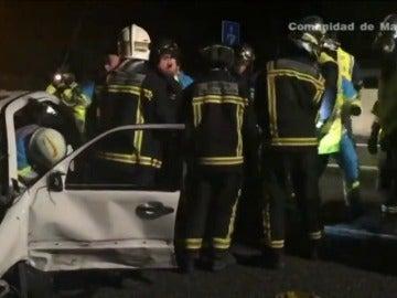 """Frame 24.862769 de: Dos heridos en una colisión provocada por un conductor """"kamikaze"""""""