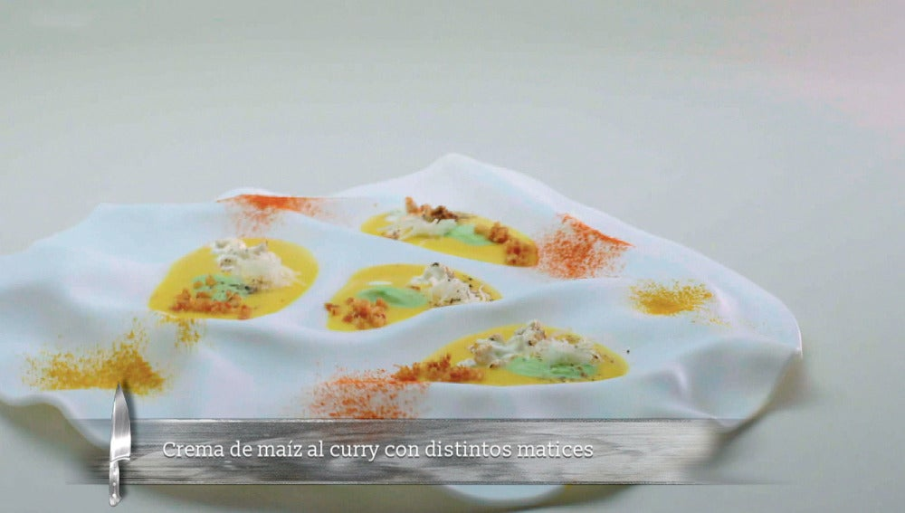 Crema de maíz al curry con distintos matices