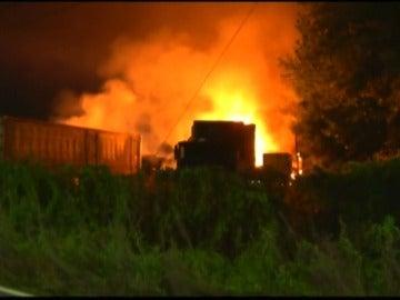 Frame 4.814819 de: El ataque a una empresa de transportes en Araucania se salda con 19 camiones calcinados