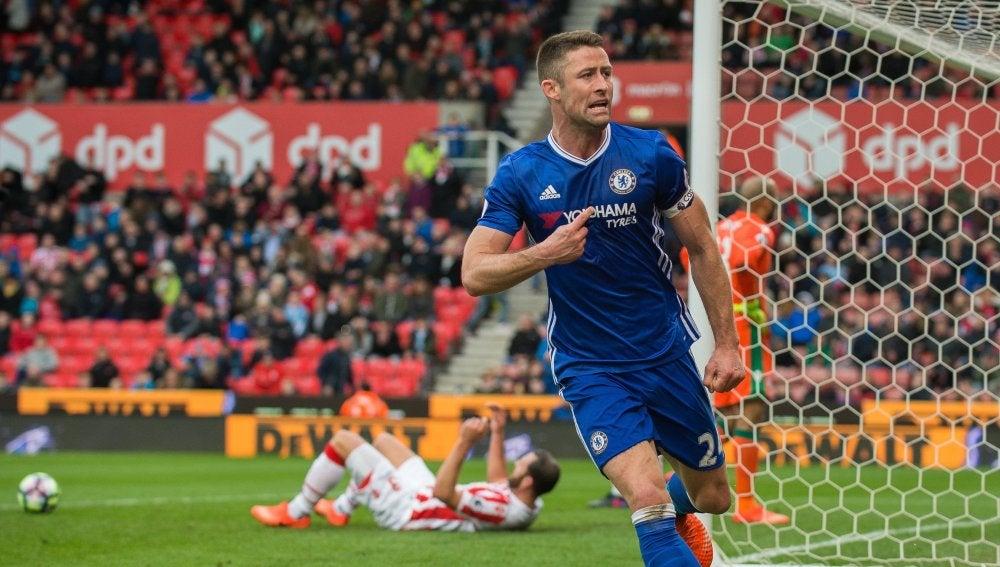Cahill celebrando su gol