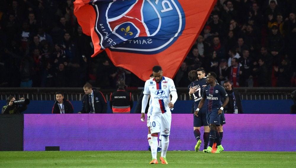 Los jugadores del PSG celebrando un gol