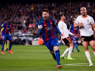 Leo Messi celebrando un gol frente al Valencia