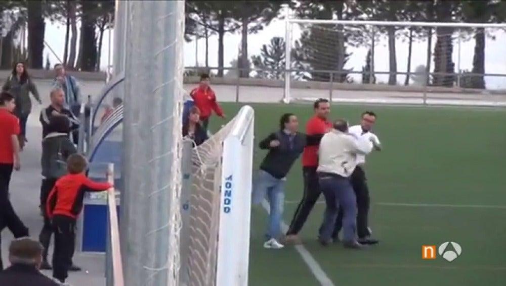 """Frame 46.42 de: Los padres, protagonistas habituales en otros casos de violencia en el deporte: """"Para ellos, ganar lo es todo"""""""
