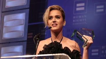 Katy Perry durante su discurso en la gala HRC National Equality Award