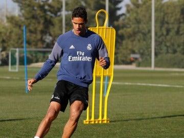 Raphael Varane, en su entrenamiento en Valdebebas.
