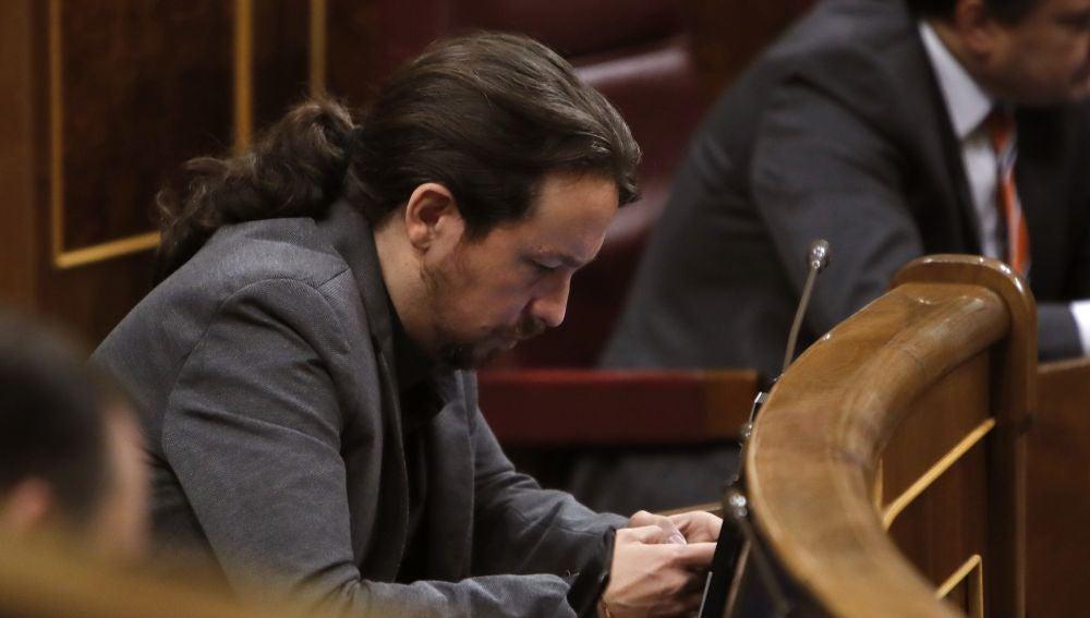 El líder de Podemos, Pablo Iglesias, durante la sesión de control al Gobierno