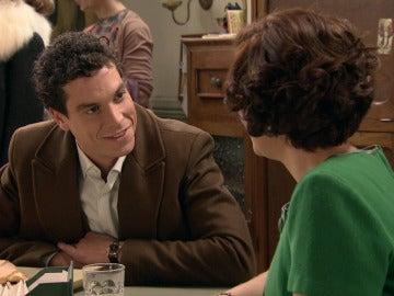 Un pequeño engaño de Marta a Rafael pone en paz sus pensamientos