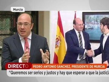 """Frame 149.818658 de: El presidente de Murcia: """"Vamos a eliminar el impuesto de sucesiones el próximo año"""""""