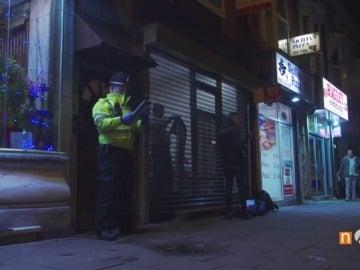 Frame 9.006111 de: Varios detenidos tras la redada en una vivienda de Birmingham tras el ataque junto al Parlamento