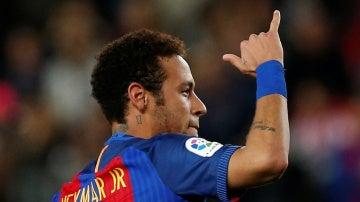 Neymar, celebrando un gol con el Barcelona