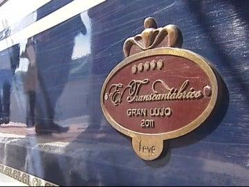 Frame 16.949333 de: El tren puede ser una original alternativa hacer turismo de paisaje, histórico o temático