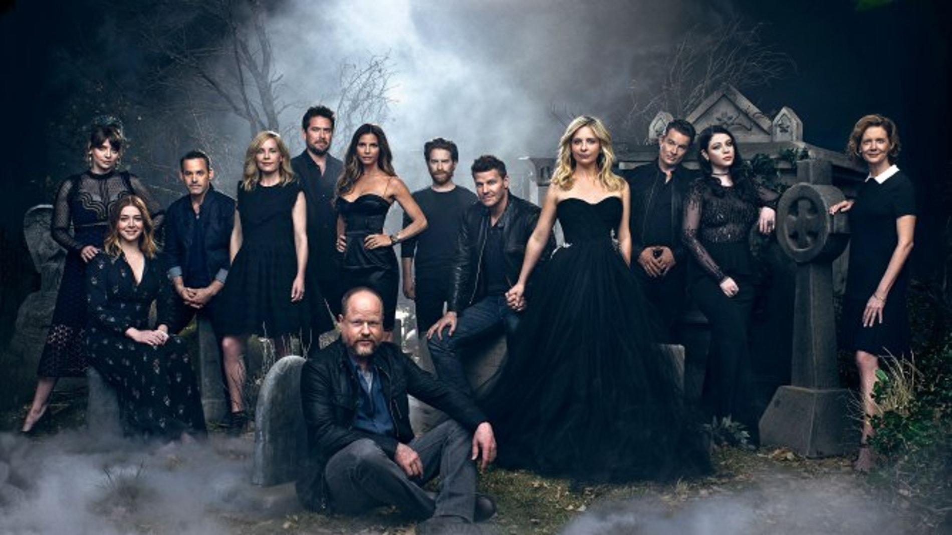 El reparto de 'Buffy cazavampiros' reunidos 20 años después de su estreno