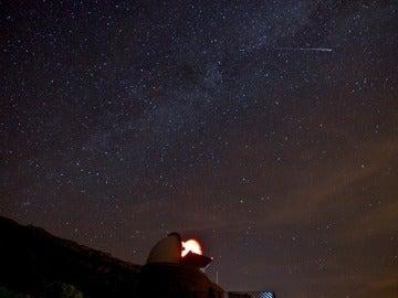 Hallan una estrella binaria con el periodo orbital más largo conocido