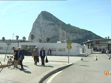 Frame 90.108333 de: La incertidumbre continuará en Gibraltar durante el proceso del 'Brexit'