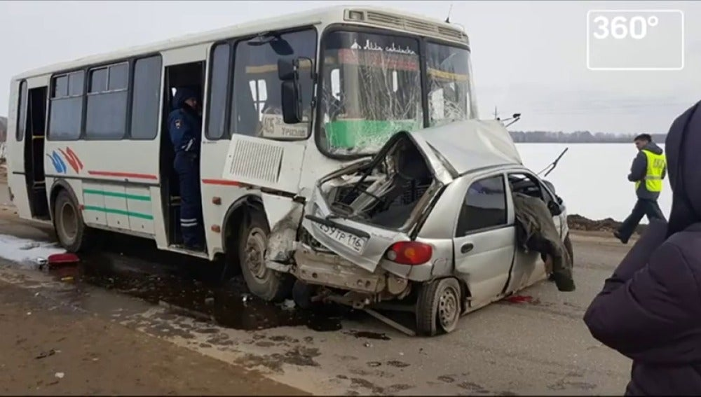Frame 13.234036 de: Las pequeñas distracciones provocan cientos de muertes al año en las carreteras