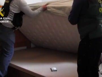 Frame 26.234752 de: Desmantelada un red de contrabando de tabaco que operaba en Europa