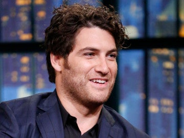 El actor Adam Pally
