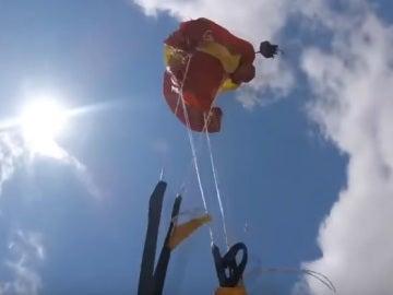 El paracaídas enredado