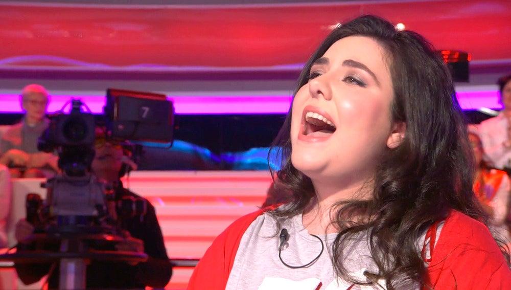Bárbara Redondo pone en pie al plató de '¡Ahora Caigo!' con su imitación de Adele