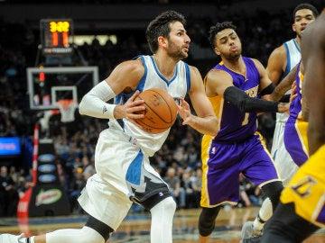 Ricky Rubio, en acción ante los Lakers
