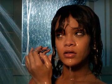 Rihanna en la escena de la ducha de 'Bates Motel'