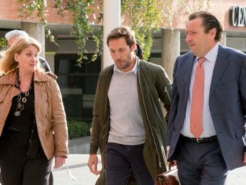 Antonio David Flores a su llegada a los juzgados