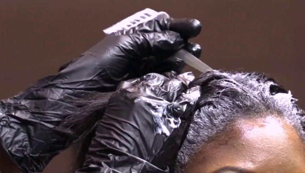 Frame 4.175068 de: El Estado de Illinois prepara a sus estilistas para detectar posibles casos de violencia de género