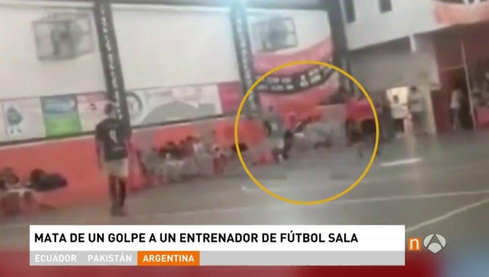 Frame 6.534354 de: FutbolSalaA3D
