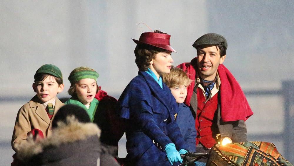 Fotografía del rodaje de la nueva versión 'Mary Poppins' en Londres