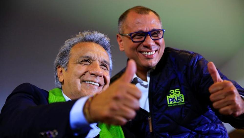 El candidato oficialista, Lenín Moreno, junto al vicepresidente ecuatoriano, Jorge Glas