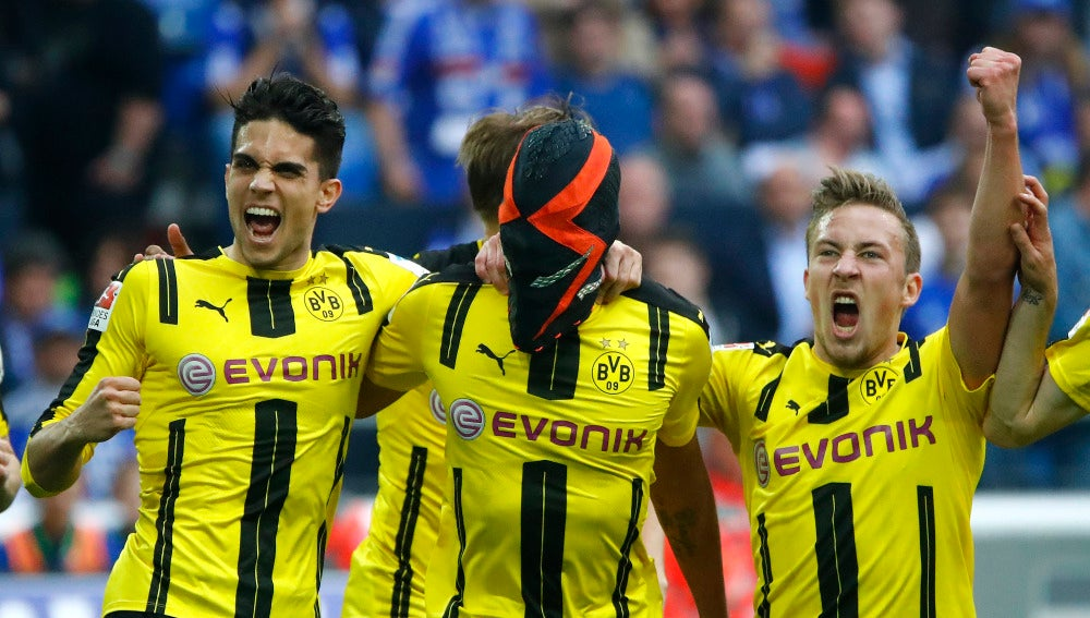 El Borussia Dortmund podría sancionar a Aubameyang por celebrar un gol con la máscara que usa en un anuncio con Nike