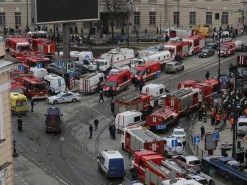 Los servicios de emergencias tras la explosión