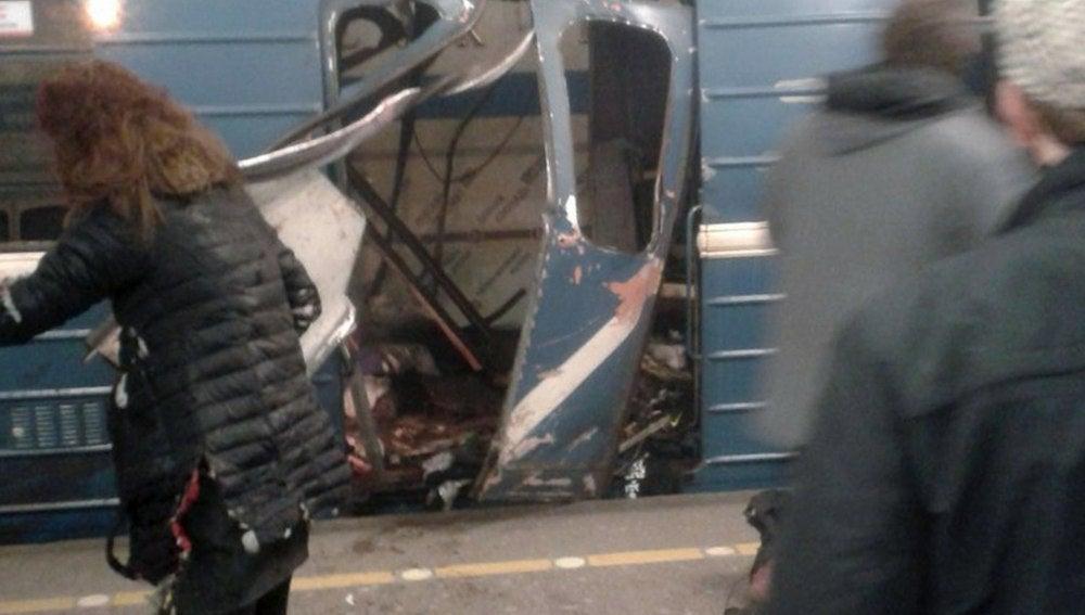 El vagón de metro en el que ha explotado un artefacto