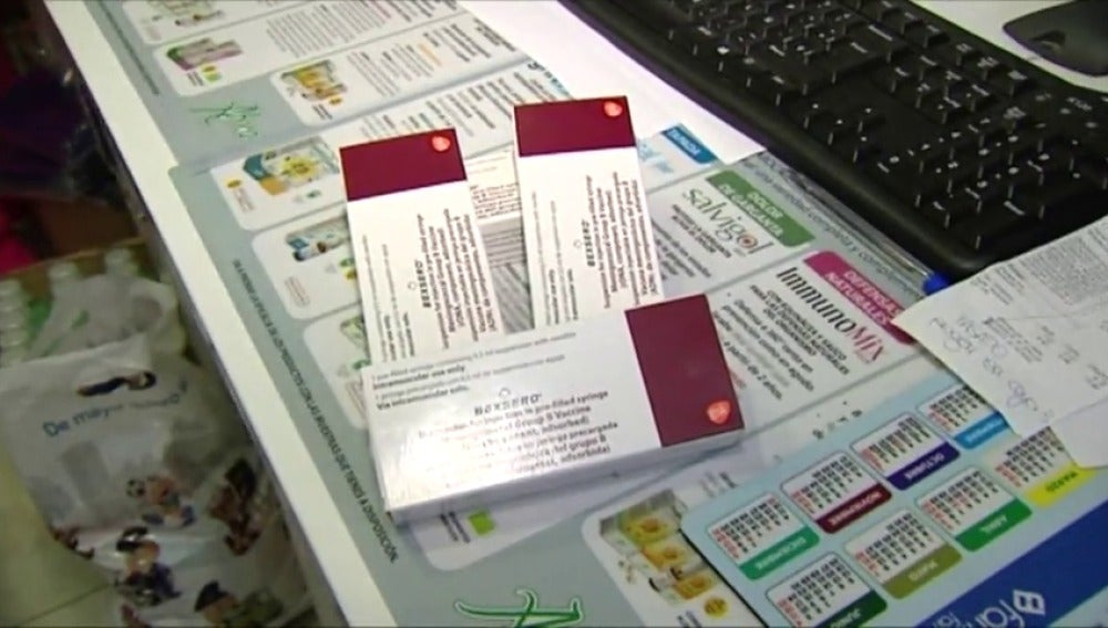 Frame 32.977777 de: Los laboratorios de la vacuna de Meningitis B retoman la producción sin cubrir todavía la demanda