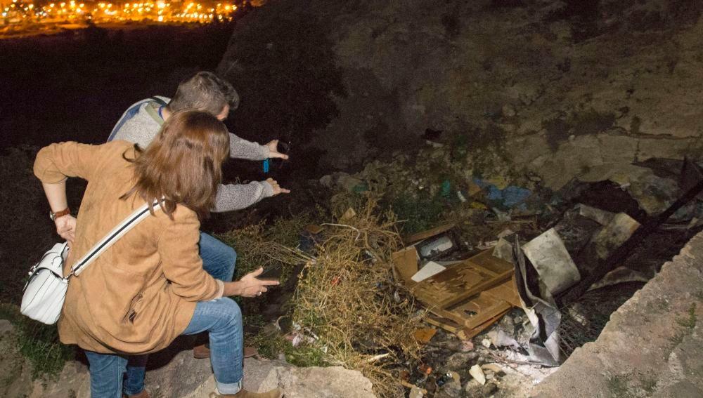 Imagen de la casa cueva en Almería, donde fallecieron tres jóvenes