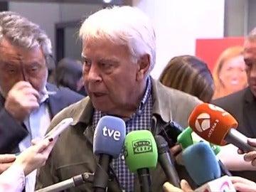 Frame 5.976581 de: Felipe González dice que Chacón dejará un hueco y elogia su lucha por la justicia social