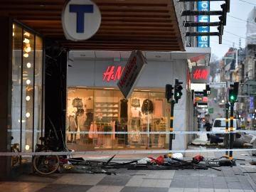 Reabre sus puertas el centro comercial del atentado en Estocolmo