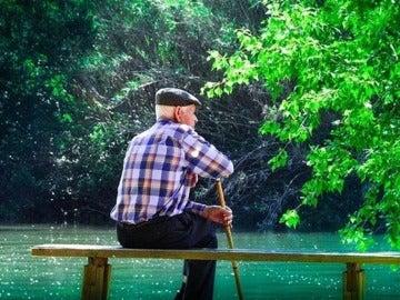 Imagen de archivo de un anciano