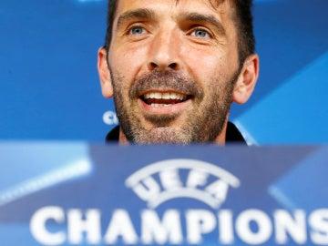 Buffon, durante la rueda de prensa