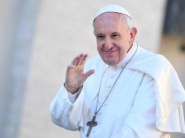 """El Vaticano abre """"la lavandería del Papa"""" para personas sin hogar"""