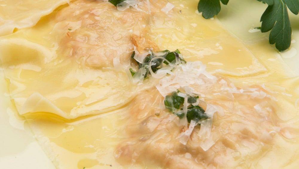Raviolis de calabaza, jamón y ricota.