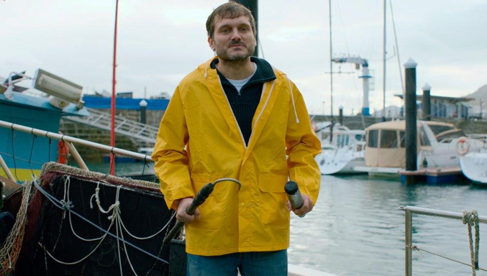 Jozé, a la desesperada, se convierte en marinero