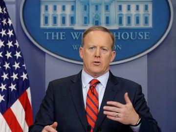 Sean Spicer durante la rueda de prensa