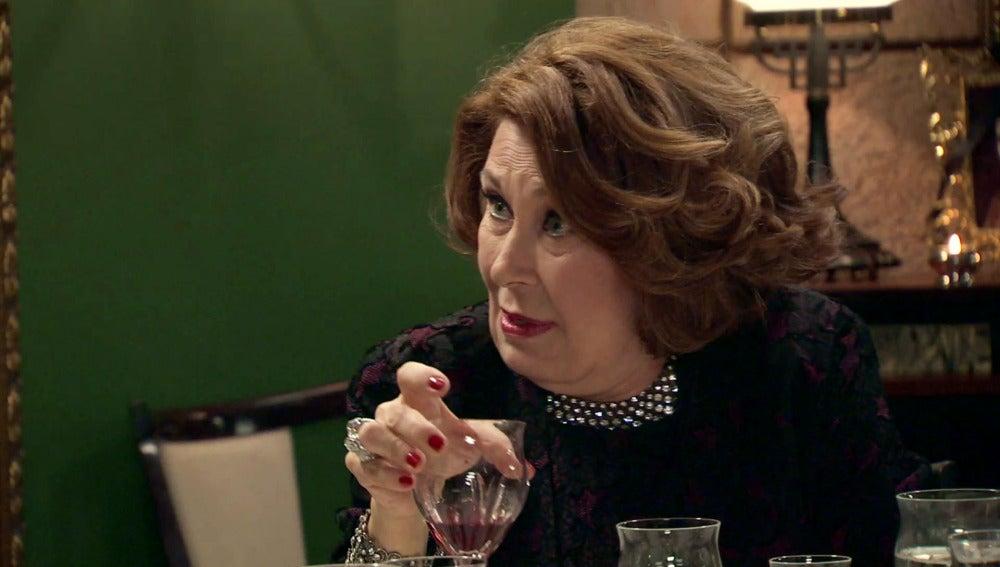 Ana María, ebria, saca todos los trapos sucios de Alonso