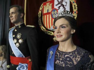 Vista de las figuras de cera de los Reyes Felipe y Letizia