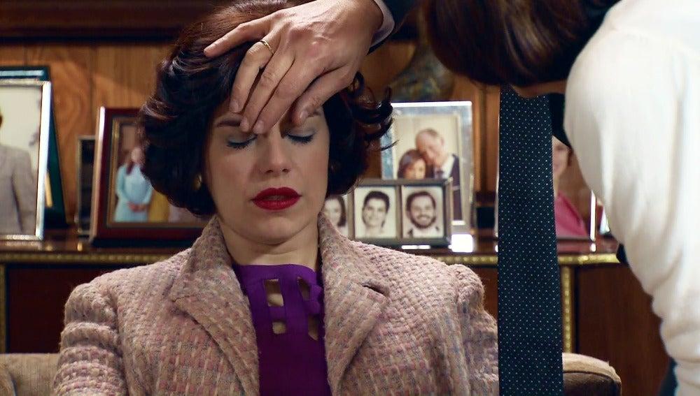 Marta sufre un mareo por la presión familiar